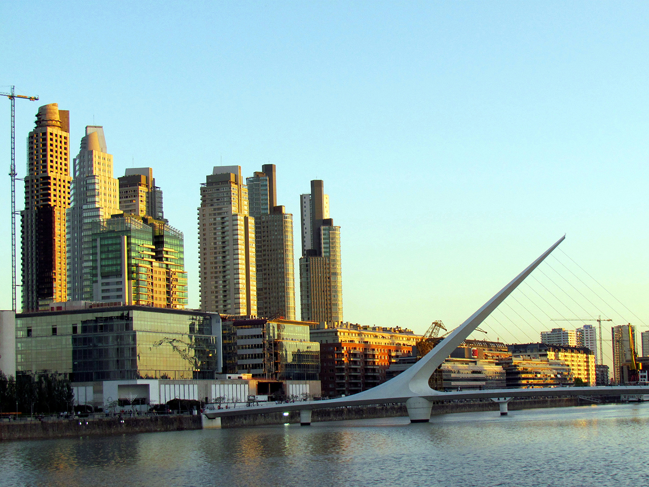 Puerto_Madero_-_Buenos_Aires_Argentina.jpg