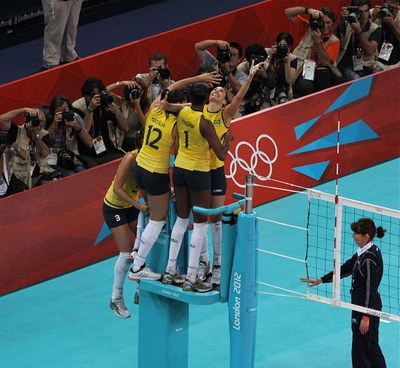 Exuberant_Brazil_jump_for_joy_to_win_Olympic_volleyball_gold_7774932588.jpg