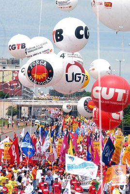 402pxTrade_union_demonstration_in_Brasilia.jpg